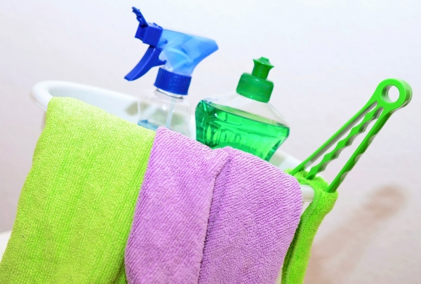 Top 10 Essential Oils for Cleaning